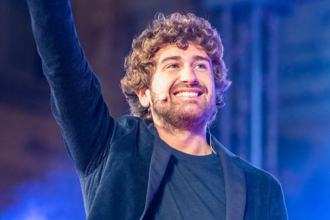Alessandro Siani domenica 11 agosto al Teatro D'Annunzio